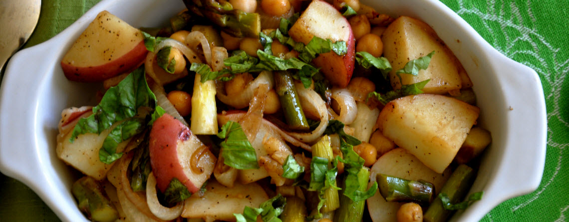 Ordinary Vegan&#8217;s Roasted Asparagus Salad with Chickpeas, Potatoes and Balsamic Vinegar