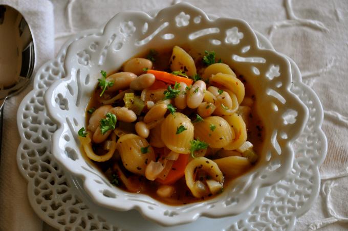 """No Fuss Italian Pasta e Fagioli with """"little ear"""" Orecchiette"""