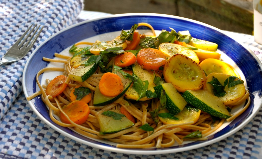 Spaghetti with Zucchini and Carrots
