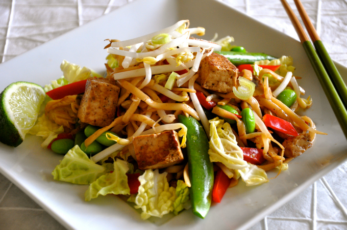 Vegan Chow Mein with Tofu & Vegetables