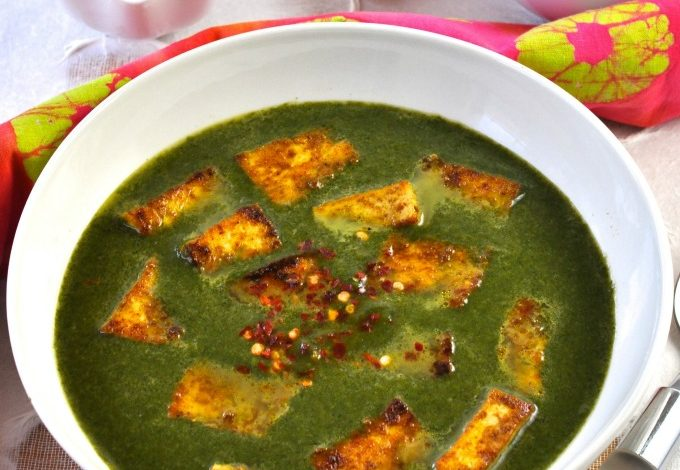 Palak Paneer with Tofu & Spinach Gravy